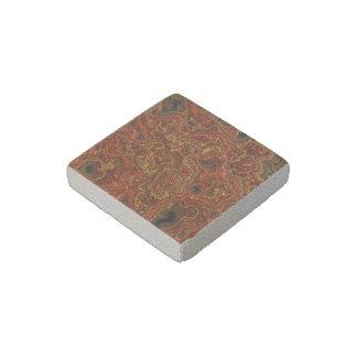 roca acodada, rojo (i) imán de piedra