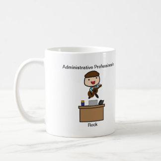 Roca administrativa de los profesionales (varón) taza básica blanca
