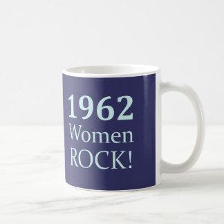 Roca de 1962 mujeres, 50.o cumpleaños taza de café