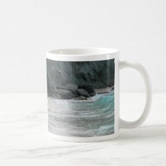 Roca de la arena del agua taza de café