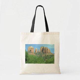 Roca de la catedral cerca de Sedona, Arizona Bolsas Lienzo