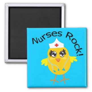 Roca de las enfermeras imán cuadrado