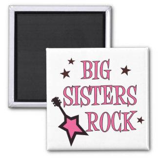 Roca de las hermanas grandes imán cuadrado