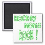 ¡Roca de las mamáes del hockey! (verde) Imanes De Nevera