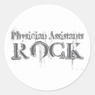 Roca de los ayudantes del médico pegatina redonda