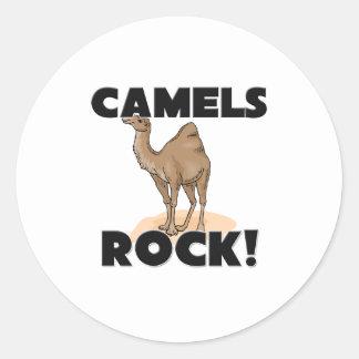 Roca de los camellos pegatina redonda
