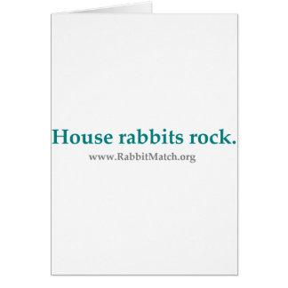 Roca de los conejos de la casa.  Tarjetas de felic