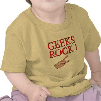¡Roca de los frikis!  con la mano Camiseta