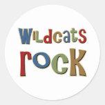 Roca de los gatos monteses etiquetas redondas