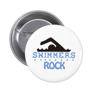 Roca de los nadadores pin redondo de 2 pulgadas