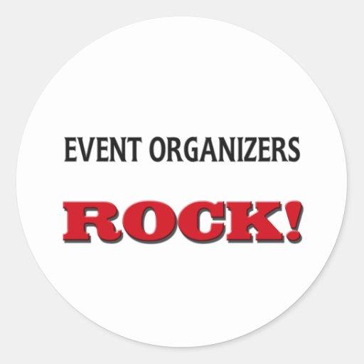 Roca de los organizadores del acontecimiento etiquetas redondas