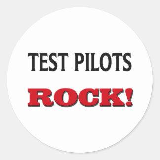 Roca de los pilotos de prueba pegatina redonda