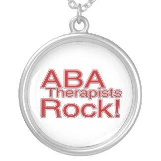 Roca de los terapeutas del ABA Colgante Redondo