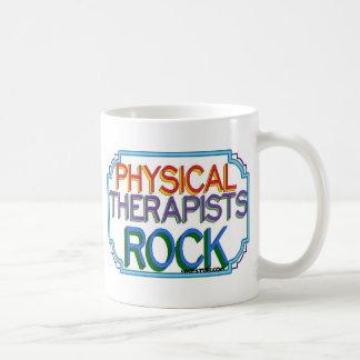 Roca de los terapeutas físicos taza de café