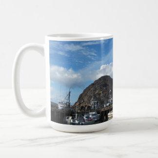 Roca de Morro barcos de pesca y el Embarcadero Tazas