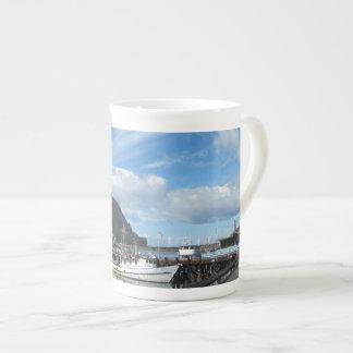 Roca de Morro barcos de pesca y el Embarcadero Tazas De Porcelana