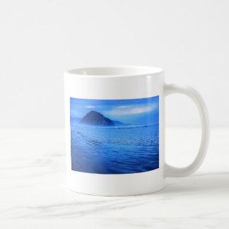 Roca de Morro con paisaje marino y la arena Tazas