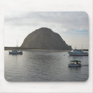 Roca de Morro en la bahía de Morro, CA Alfombrillas De Ratones