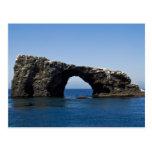Roca del arco de la isla de Anacapa Postal