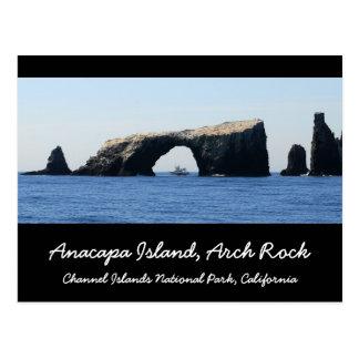 Roca del arco de la isla de Anacapa Tarjetas Postales
