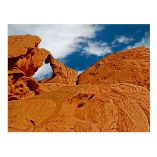Roca del arco, postal roja del parque de estado de
