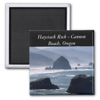 Roca del Haystack - imán de Oregon de la playa del