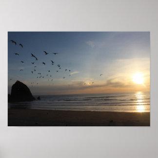 Roca del Haystack, playa Oregon del cañón Póster
