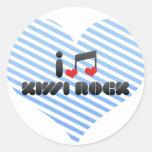 Roca del kiwi etiquetas redondas