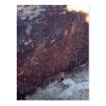 Roca del periódico en el parque nacional del bosqu tarjetas postales