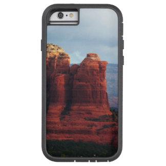 Roca nublada del pote del café en Sedona Arizona Funda Tough Xtreme iPhone 6