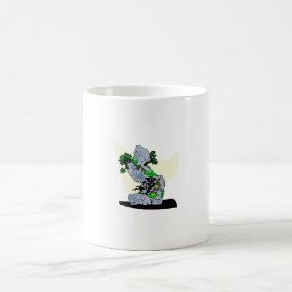 Roca que planta imagen del gráfico de los bonsais taza básica blanca