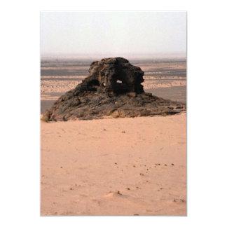 Roca surrealista resistida de la piedra arenisca, comunicado