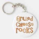 Rocas asadas a la parrilla del queso llavero