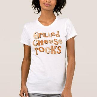 Rocas asadas a la parrilla del queso camiseta