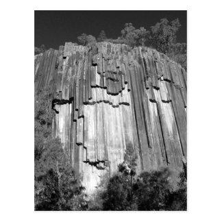 Rocas aserradas en negro y blanco tarjetas postales