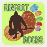 Rocas de Bigfoot Pegatina Cuadrada