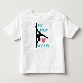 ¡Rocas de la mamá de la aptitud de poste! Camiseta Polera