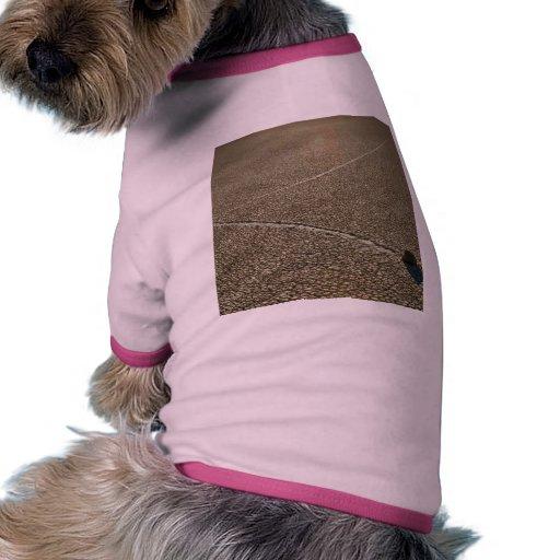 Rocas de la pista camiseta con mangas para perro