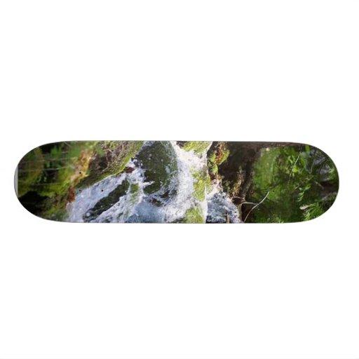 Rocas de los bosques del agua del musgo de las cor patinetas personalizadas