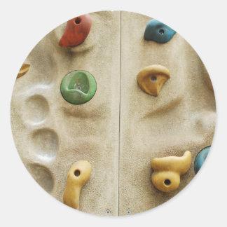 Rocas de pared que suben coloridas pegatina redonda