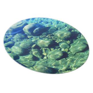 Rocas debajo del agua platos de comidas
