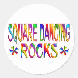 Rocas del baile cuadrado pegatina redonda