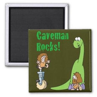Rocas del hombre de las cavernas imán cuadrado