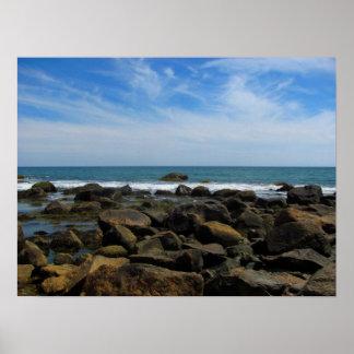 Rocas del océano en el Block Island Póster