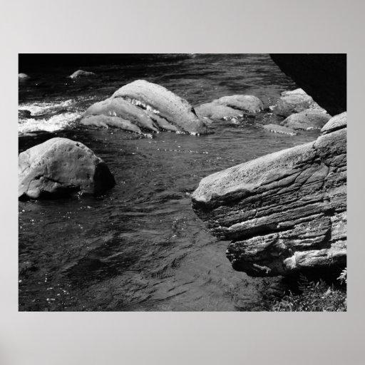 Rocas e impresión blanca del negro de la naturalez posters
