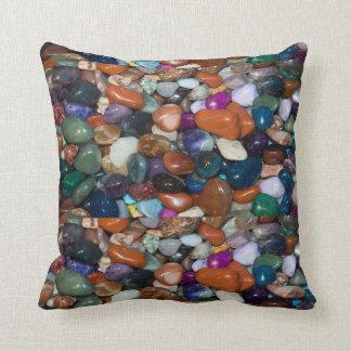 Rocas pulidas del arco iris cojín
