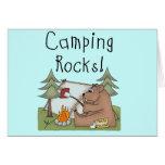 Rocas que acampan tarjetas