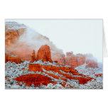 Rocas rojas de Sedona en nieve Tarjeta