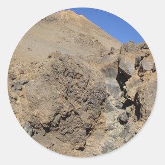 Rocas volcánicas pegatina redonda