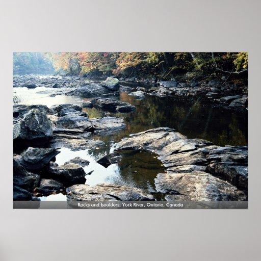 Rocas y cantos rodados, río de York, Ontario, Cana Póster